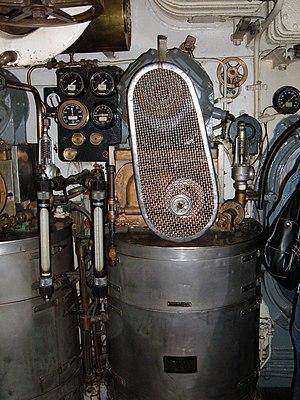 Evaporator (marine) - Image: USS Pampanito fresh water evaporator 1