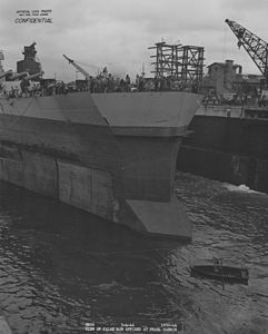 USS Washington false bow for collision damage NARA BS 111569.jpg
