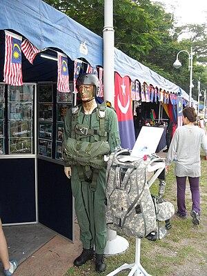 VAT 69 Commando - The model of 69 Commando PGK with the Parachuting equipment.