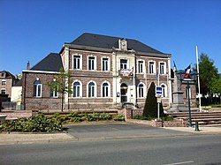 Vaux andigny city hall.jpg