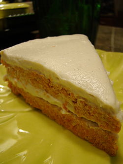 Vegan Raw Carrot Cake (3663730815).jpg