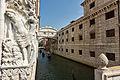Venise - Pont des Soupirs.jpg