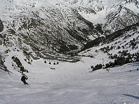 View down red run to Arcalis Ski Center Andorra Mar 2011.jpg