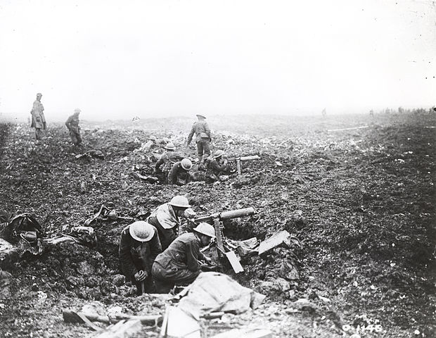 Canadians on Vimy Ridge By Canada. Dept. of National Defence [Public domain], via Wikimedia Commons