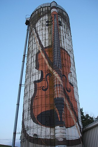 U.S. Route 52 in Iowa - A violin painted on a silo near Green Island, a landmark along the route