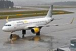 Vueling, EC-MAH, Airbus A320-214 (28358855879).jpg