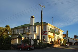 Waikari - The Star and Garter Hotel in Waikari