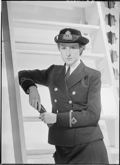 Women's Royal Naval Service. November 1942, Admiralty. Uniforms of the WRNS. A12614 2.jpg