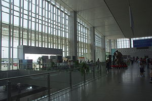 Zhuzhou West Railway Station - Image: Zhuzhou Xi Railway Station waiting hall entrance