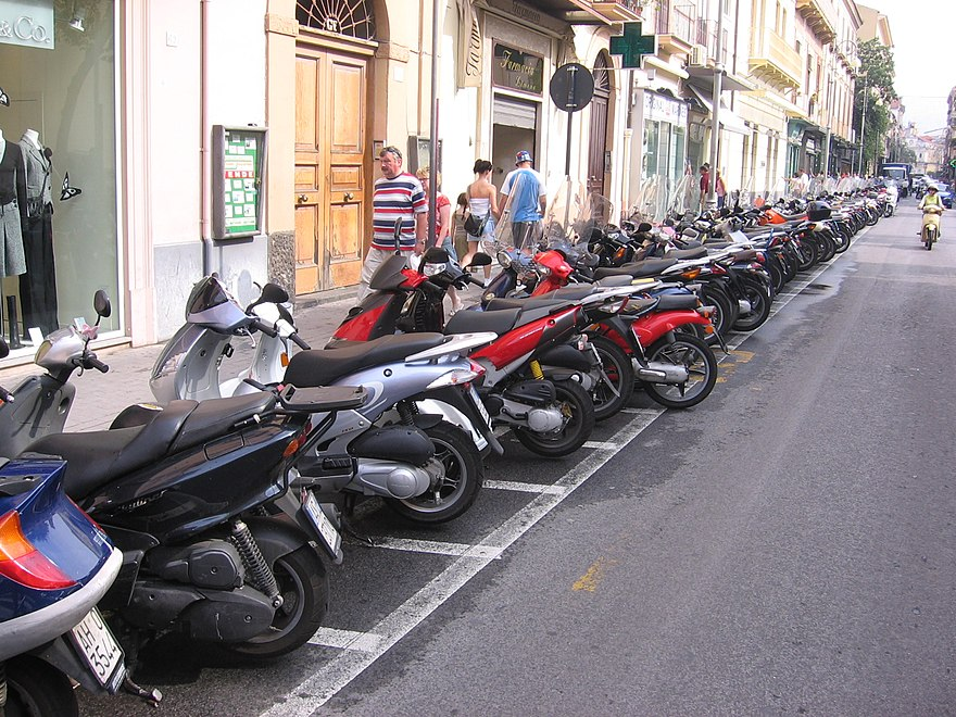 Scooter (motorcycle) - The Reader Wiki, Reader View of Wikipedia
