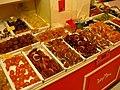 Étal de fruits confits à Marseille.jpg