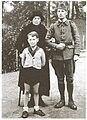 Вдова Колчака Софья Фёдоровна, сын Ростислав, внук Саша.jpg