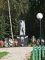 Дмитрова гора братская могила памятник.jpg