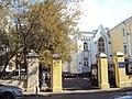 Ограда с калиткой и двумя воротами Костел 01.JPG