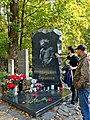 Санкт-Петербург. Богословское кладбище. Могила М.Ю. Горшенева, рок-музыканта.jpg