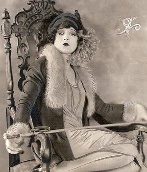 Kiss Me Again (1925 film) - Image: Целуй меня снова