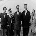 אורחים מארצות- הברית בביקור בארץ- ישראל (1945) האורחים עם אנשי ליווים בקבוץ ג-PHG-1006999.png