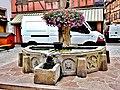 . Fontaine fleurie.jpg