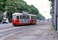 079R16190481 Simmeringer Hauptstrasse, Blick stadtauswärts, Strassenbahn Linie 71, Typ C1 107.jpg