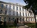 1. Будинок колишньої гімназії; Острог.JPG