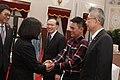 11.14 總統出席第九屆「總統文化獎」授獎儀式,與得獎人握手致意 (38357356826).jpg