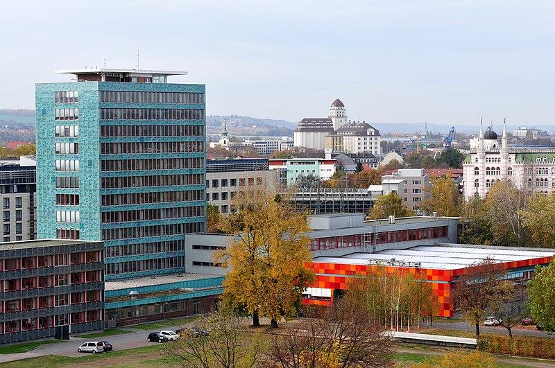 File:13-10-25-landtag-sachsen-blick-vom-dach-RalfR-23.jpg