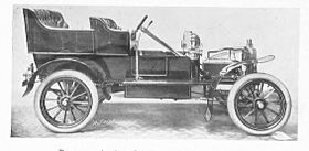 1905 Rover 10-12hp 4-cylinder car without engine bonnet.jpg