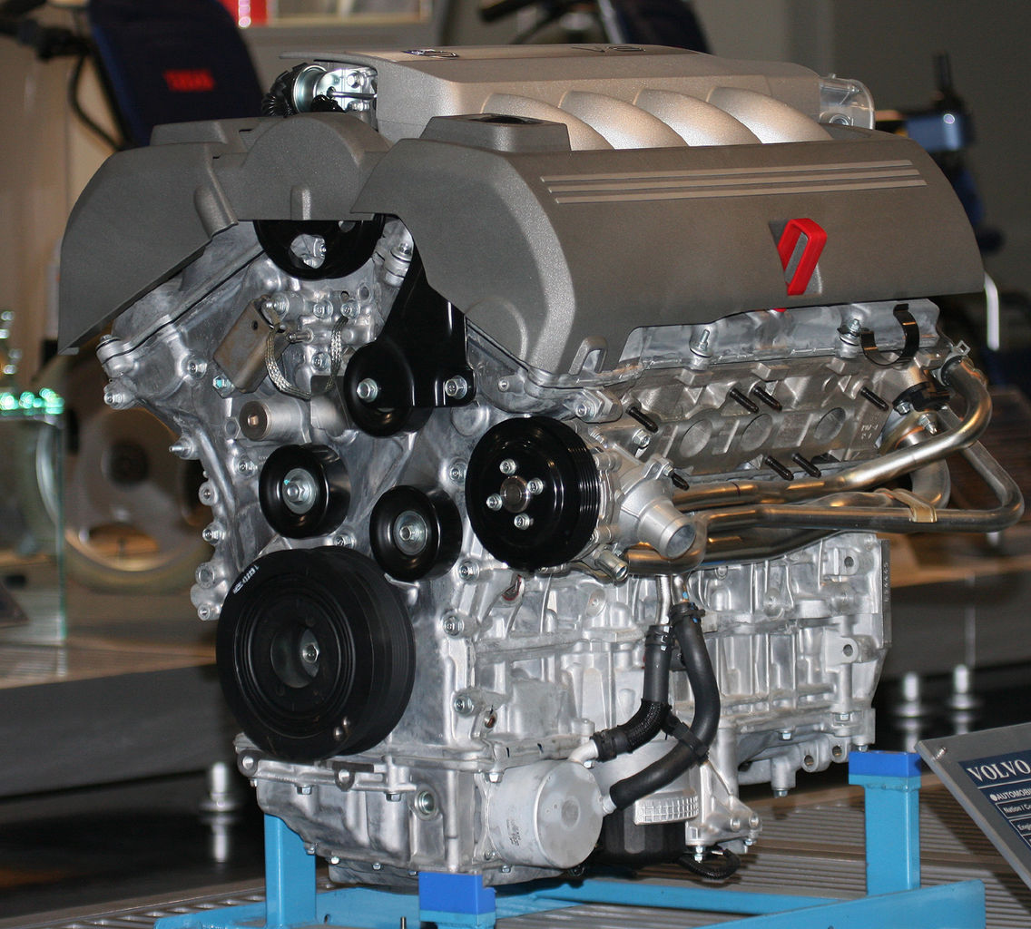 File 2005 Volvo V8 Engine Jpg Wikimedia Commons