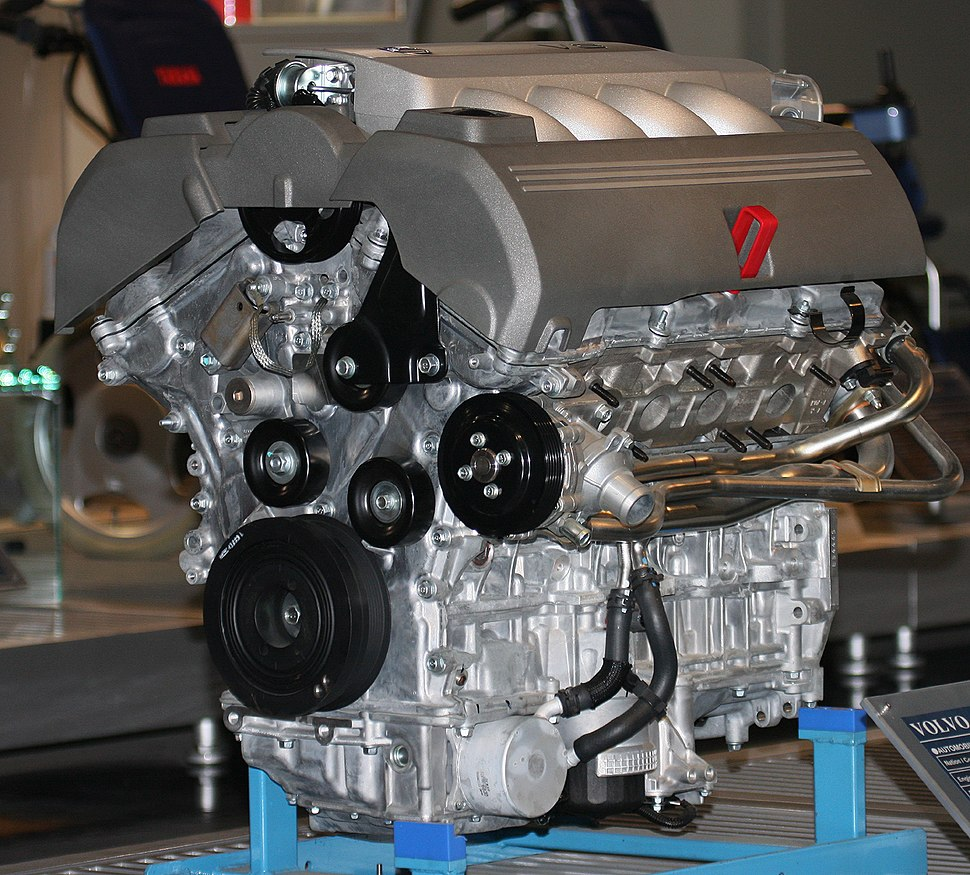 2005 Volvo V8 engine