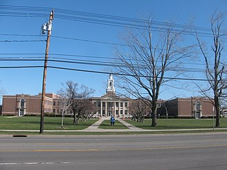 Williamsville South High School - Image: 20090412 Williamsville South High School