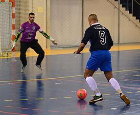 2015-02-28 16-08-09 futsal.jpg
