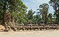 2016 Angkor, Preah Khan, Rzeźby strażników przed wejściem (01).jpg