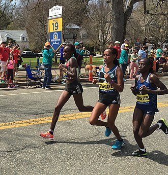2016 Boston Marathon - Joyce Chepkirui, Tirfi Tsegaye and Valentine Kipketer lead the women at mile 19