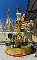 2016 Rangun, Pagoda Botahtaung (28).jpg