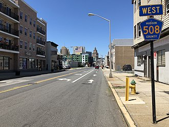 County Route 508 (New Jersey) - View west along CR 508 (Harrison Avenue) at I-280 in Harrison