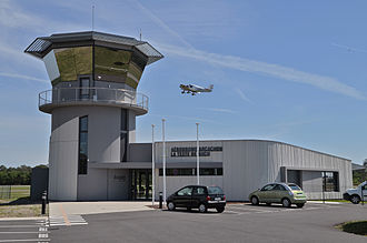Arcachon – La Teste-de-Buch Airport - Image: Aérodrome d'Arcachon La Teste de Buch, la tour de controle