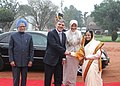 Abdullah Gul and his wife Mrs. Hayrunnisa Gul being received by the President, Smt. Pratibha Devisingh Patil and the Prime Minister, Dr. Manmohan Singh, at the Ceremonial Reception, at Rashtrapati Bhavan, in New Delhi.jpg