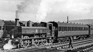 Aberdare railway station - Abercynon branch train at Aberdare (Low Level) in 1954