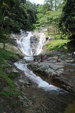 Air terjun Lata Iskandar.jpg