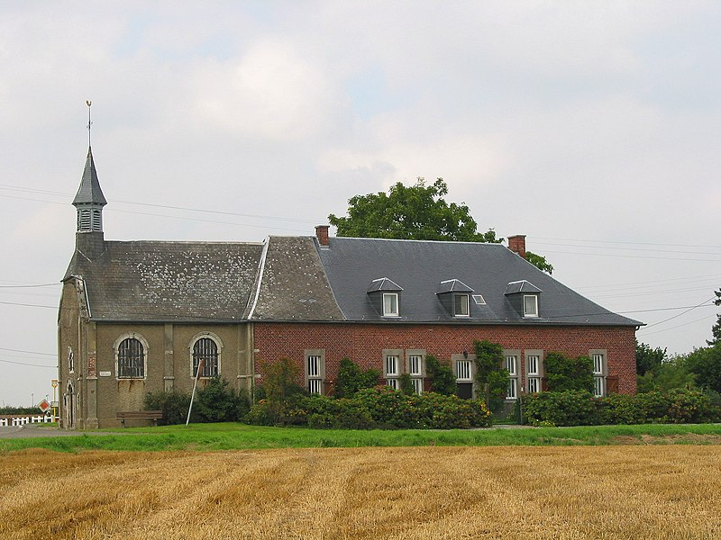 Aische-en-Refail   (Belgium), the Croix-Monet chapel (1717).