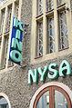 Al. Niepodległości, Logo Kina Nysa na budynku nr 4.jpg