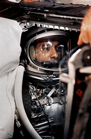 English: Alan Shepard in capsule aboard Freedo...
