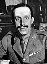 Alfonso XIII, retrato con uniforme militar.jpg