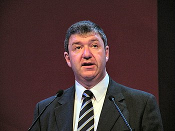 English: Alistair Carmichael MP addressing a L...