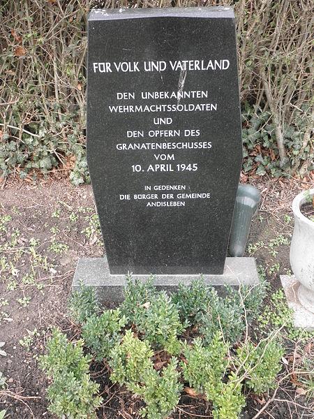 File:Andisleben Gedenkstein Tote 1945.JPG