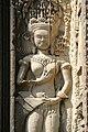 Angkor-Thommanon-18-Devata-2007-gje.jpg