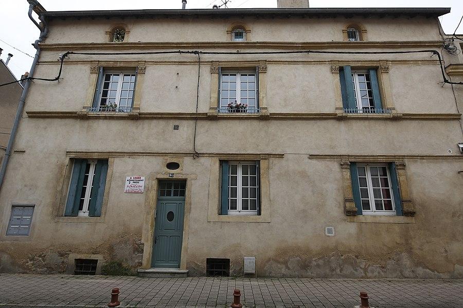 Maison du 16e siècle, 44 rue Maréchal Foch à Ars-sur-Moselle.