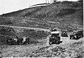 Auto canon en panne sur la route de Volubilis - Volubilis - Médiathèque de l'architecture et du patrimoine - AP62T060951.jpg