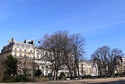 L'avenue Foch, lieu de l'enlèvement, et sa contre-allée.
