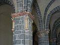 Aydat église colonnes.JPG